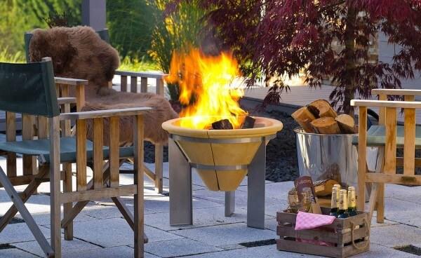 Feuerspeicher aus CeraFlam Keramik mit Edelstahlgestell - FSS