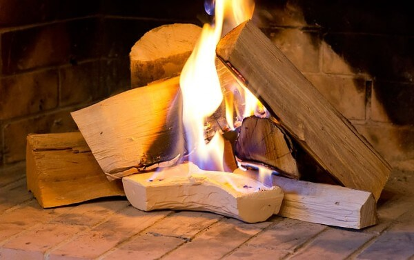 Feueranzünder und Stapelhilfe für alle holzbetriebenen Feuerstellen aus CeraFlam® Keramik - DFA